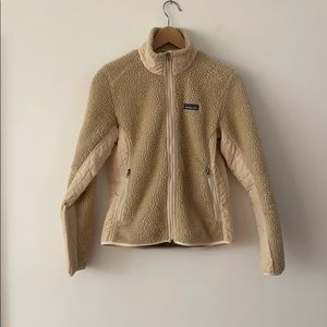 Patagonia Sherpa jacket cream colored